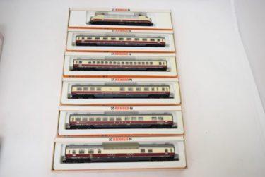 ARNOLD-N電気機関車 外国客車6両の買取価格